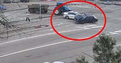 Au apărut imaginile VIDEO! Accident controversat. Cine e de vină ? Bătrânul sau viceprimarul ?