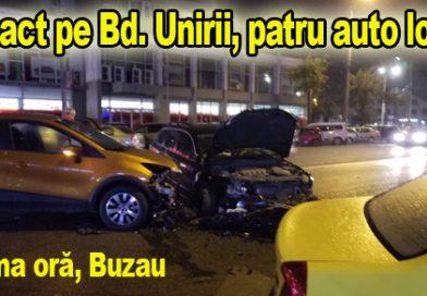 VIDEO. Tamponare frontală Passat negru cu Renault portocaliu