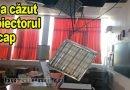 Incident la un liceu din Buzău. Cum să prinzi proiectorul de tavanul fals ?