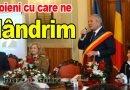 VIDEO Ceremonie cu ștaif. Trei medici importanți din România, buzoieni de baștină, numiți Cetățeni de Onoare
